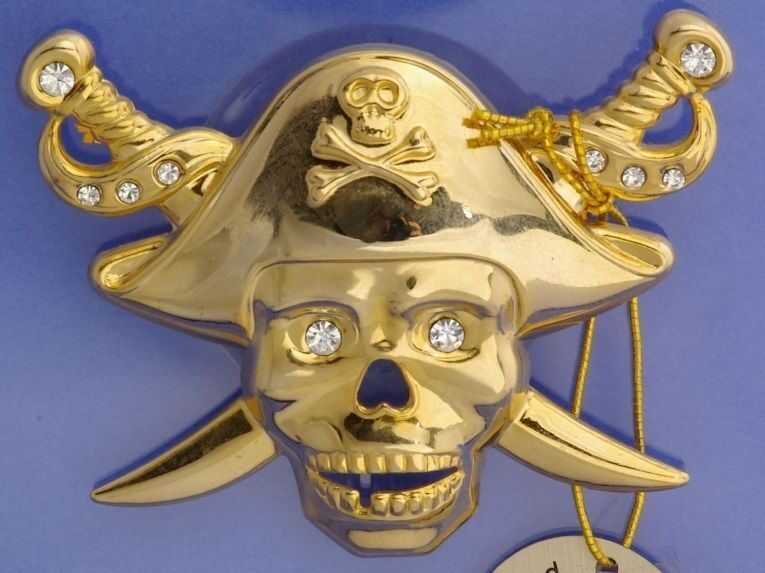 Фигурка Swarovski на присоске Пират