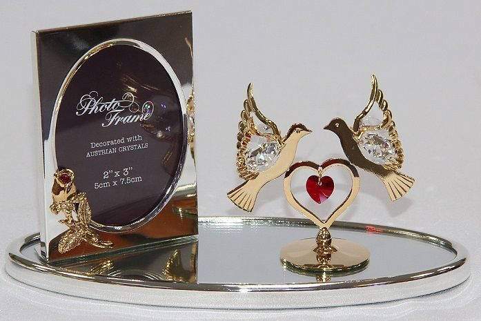 Фоторамка Swarovski Целующиеся голубки