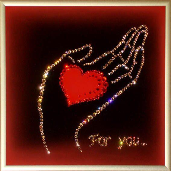 Картина с кристаллами Swarovski  Рука с сердцем