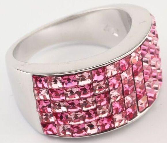 Кольцо с кристаллами  сваровски  Миниквадраты  5 рядное