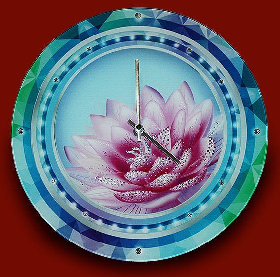 Настенные часы со стразами сваровски  Лотос