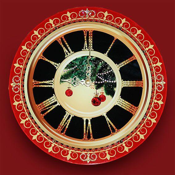 Настенные часы со стразами сваровски Новогоднее настроение