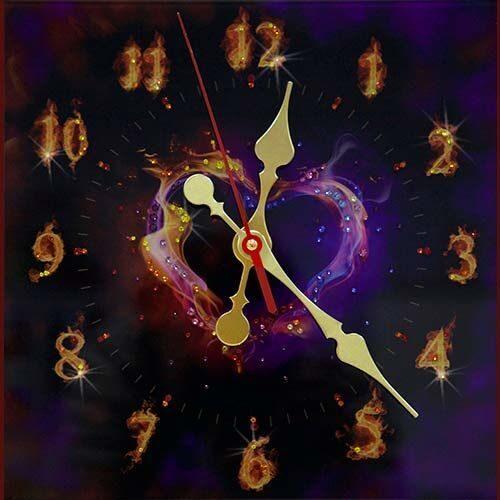 Настенные часы с кристаллами сваровски Пламенное сердце