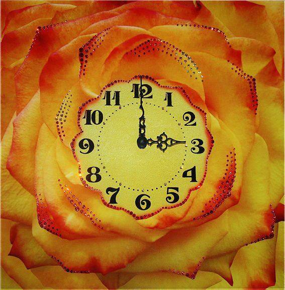 Настенные часы Swarovski Чайная роза