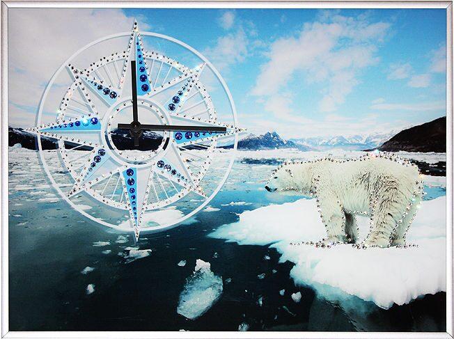 Настенные часы сваровски  На Северном полюсе